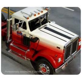 Plastikowy Model Ciągnik siodłowy White Road Boss Truck AMT